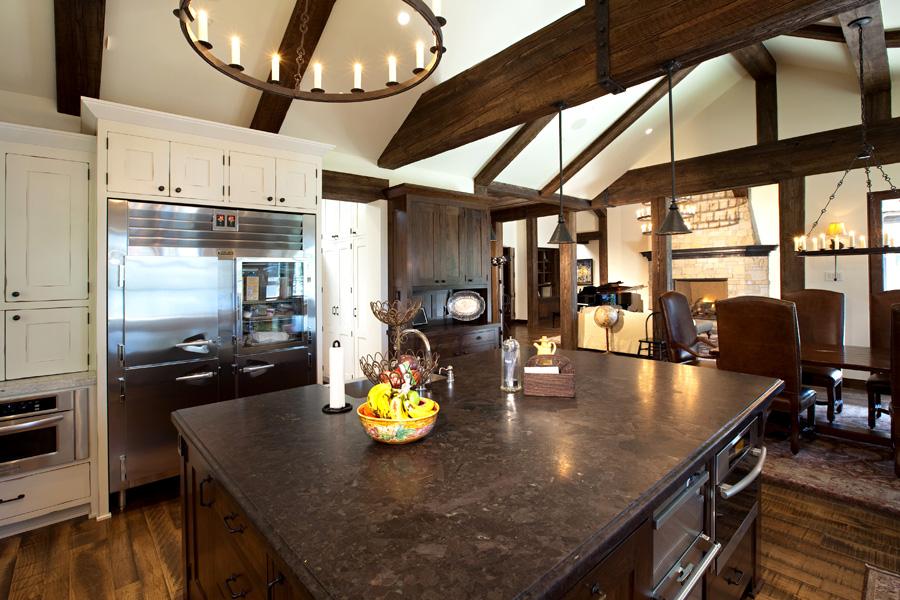 Lakeside Estate Kitchen